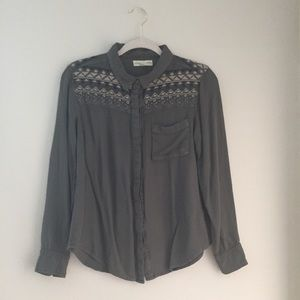 Urban Outfitters Tops - Urban Outfitters boho embroidered button down, S